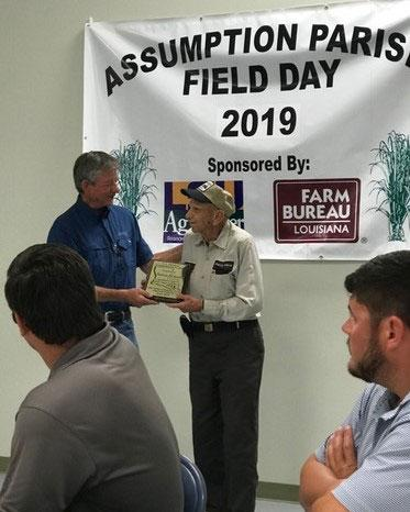 Former LLB Board Member Pat Richard Receives Achievement Award at 2019 Assumption Parish Field Day